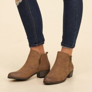 Madden Girl Boleroo ankle  boots sz 8 M brown fall